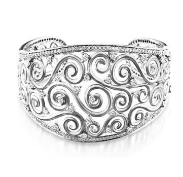 BDY_109482 Diamond Cuff Bracelet